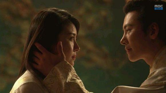 河智苑/由河智苑主演的古装剧《奇皇后》于昨晚播出结局篇,该集以26.2...