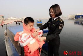 河北海事系统开展水上安全知识宣传活动