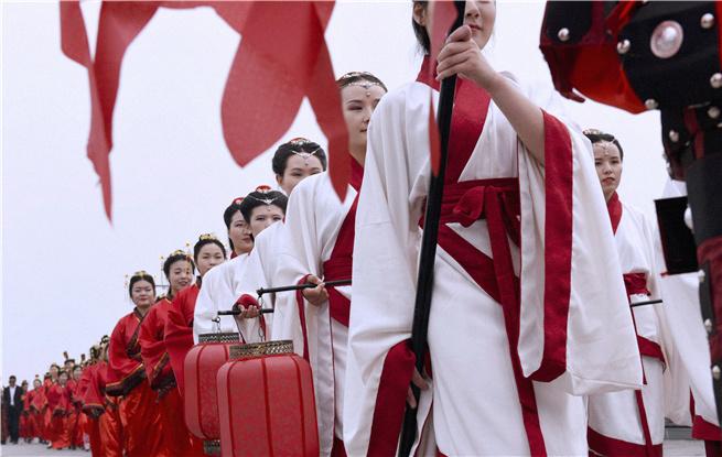 千年之约、惊叹中国 首届正定古城集体婚礼五一盛启
