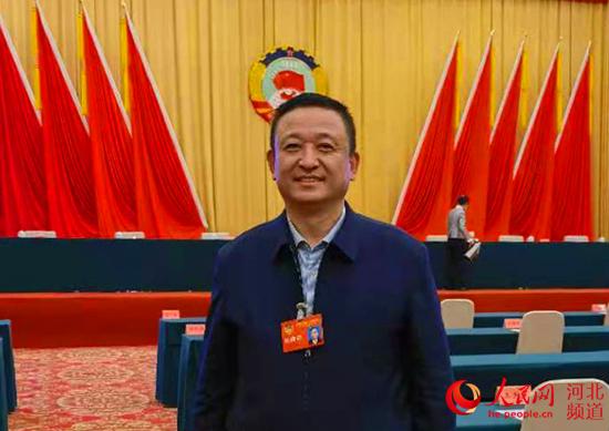"""吕洪涛:建议""""出台新政""""为新能源汽车生长营造良好环境"""